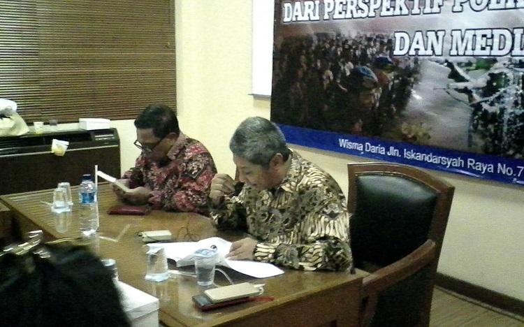 Direktur Global Future Institute, Hendrajit (kanan) (Foto Cahyo/Nusantaranews)