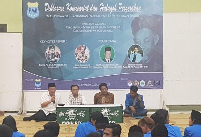 Mantan Ketua Umum PB PMII periode 1997-2000, Syaiful Bahri Anshori menghadiri acara pelantikan lima Komisariat baru di bawah naungan PMII Daerah Istimewa Yogyakarta. Foto: Istimewa/ NusantaraNews