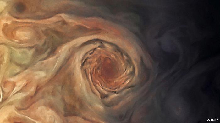 Keindahan Badai. Foto: Dok. NASA