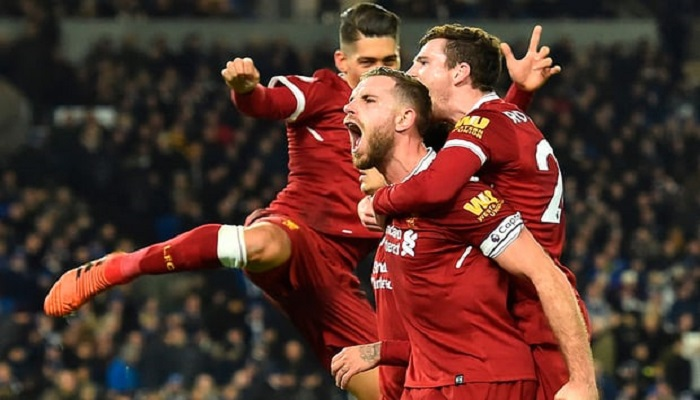 Liverpool sukses menandaskan perlawanan tim promosi Brighton & Hove Albion di laga pekan ke-15 Premier League pada Sabtu (2/11/2017) malam WIB. Foto: Glyn Kirk/AFP/Getty Images