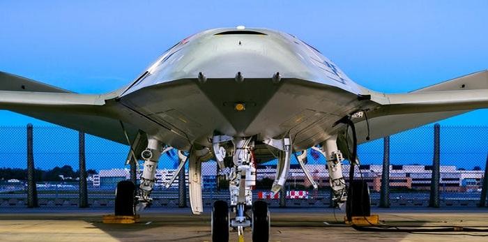 Drone tanker MQ-25 Stingray Angkatan Laut AS yang dirancang Boeing. Foto: Boeing