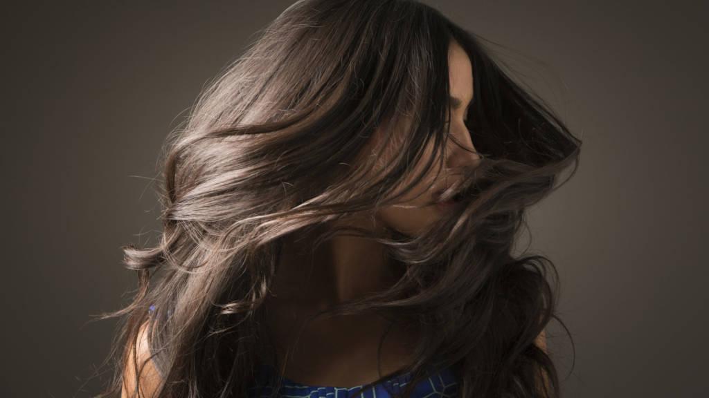 Jenis makanan dinilai menjadi faktor penentu keindahan rambut. Foto: Ilustrasi/Getty Images