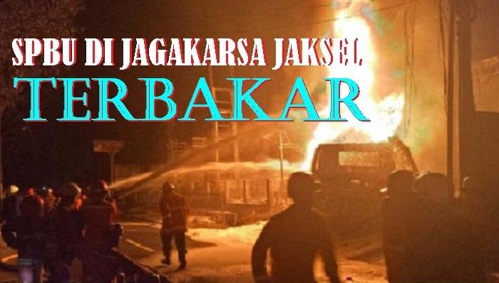 Penampakan SPBU Jagakarsa Jaksel saat Terbakar, Kamis (29/12/2017) tengah malam. Foto via Kumparan