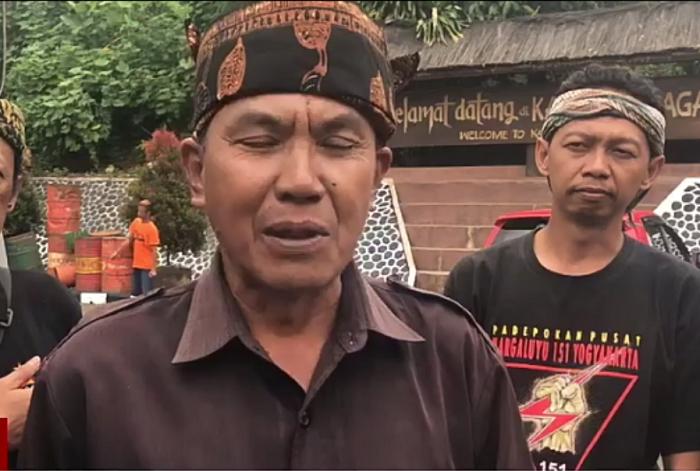 Sesepuh Kampung Naga, Ade Suherlin (Foto Nusantaranews)