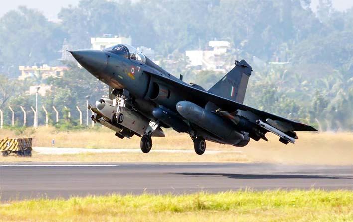 HAL Tejas LCA ( Light Combat Aircraft ) pesawat tempur supersonik sayap delta generasi keempat India/Foto: ajaishukla.blogspot.co.id