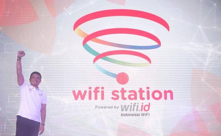 Direktur Enterprise & Business Service Telkom Dian Rachmawan saat meresmikan WiFi Station di Jakarta, Kamis (28/12). (Foto Istimewa/Nusantaranews)