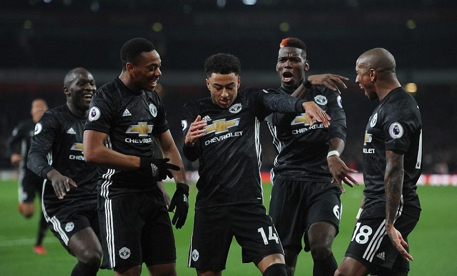 Selebrasi pemain Manchester United usai membobol gawang Arsenal. Foto: Kevin Quigle/Daily Mail
