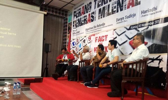 Pengajar Universitas Indonesia, Edhy Aruman saat menjadi pembicara di acara Taruna Merah Putih. Foto Ucok Al Ayyubi/ NusantaraNews