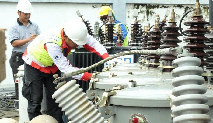 Penyiapan trafo 150 KVA dan 50 KVA di PLN Rayon Wates Kulonprogo oleh Tim Yantek.c. Foto: Dok. PLN/ NusantaraNews