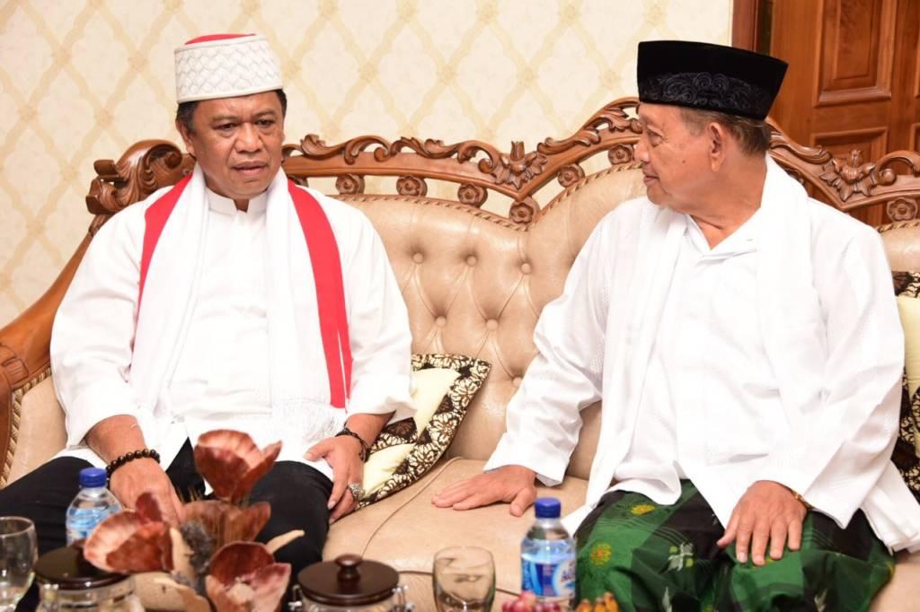 Anton Charliyan dan ulama Jawa Barat. Foto: Istimewa