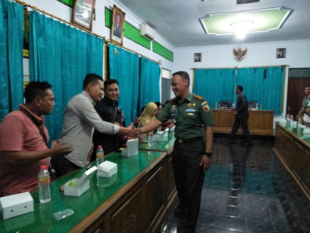 Komandan Kodim 0812 Lamongan Letkol Arh Sukma Yudha Wibawa, menilai pers berperan positif menyuarakan semangat persatuan dan kesatuan. Istimewa/NusantaraNews
