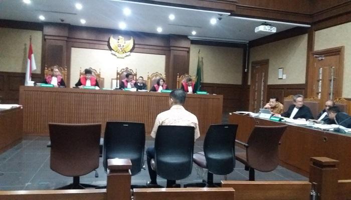 Direktur PT Cisco System Indonesia Charles Sutanto Ekapradja bersaksi dalam sidang lanjutan perkara e-KTP, Senin (22/1/2018). Foto: Restu Fadilah/NusantaraNews