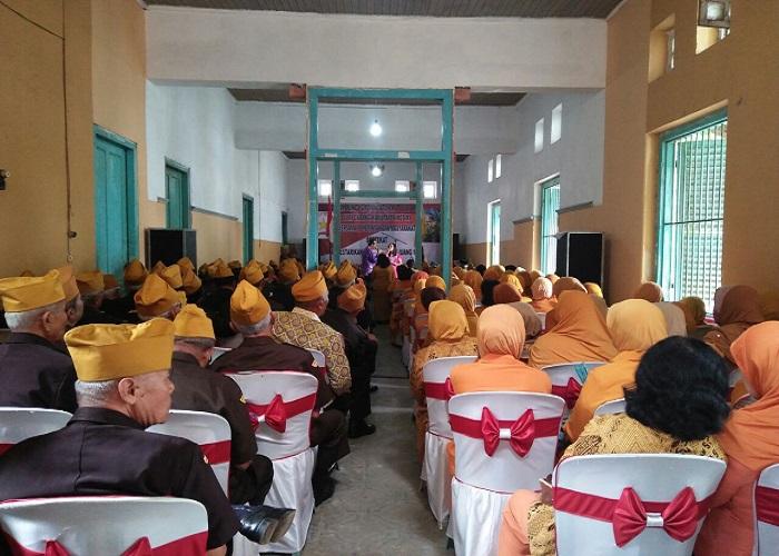 Resepsi dan tasyakuran dalam rangka HUT Veteran ke-61 yang berlangsung di kantor LVRI Kelurahan Pare Kecamatan Pare, Kediri. Foto: Dok. Penrem/Istimewa