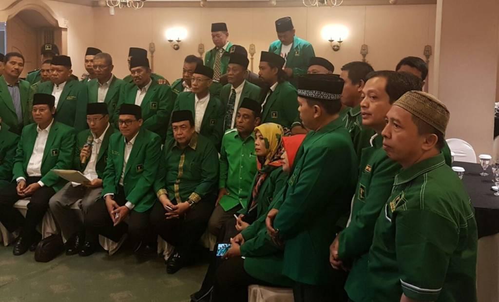Konferensi pers PPP kubu Djan Faridz di Hotel Sahid Jaya, jelang pelaksanaan Hari Lahir PPP di Stadion Manahan Solo, Minggu (7/1/2018). Foto: Istimewa/NusantaraNews