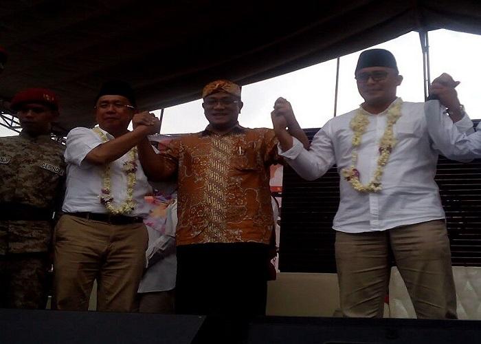 okoh gerakan buruh Mohammad Jumhur Hidayat saat menghadiri deklarasi calon Bupati dan Wakil Bupati Sumedang pada Selasa (9/1/2018). Foto: Istimewa