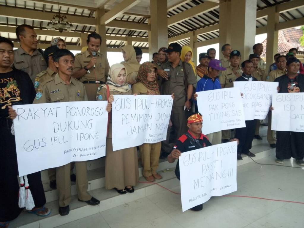 Panitia Pengawas Pemilu (Panwaslu) gerah dengan sikap tak netral pegawai negeri sipil dan perangkat desa Ponorogo. Foto: Muh Nurcholis/NusantaraNews