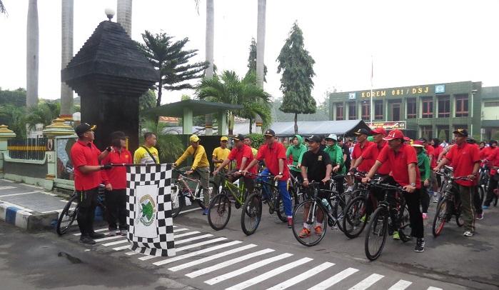 HUT Kowad Ke 56 Dandim 0803/Madiun Bersama Danrem 081/DSJ Ngontel Bareng. Foto MC0803/ NusantaraNews