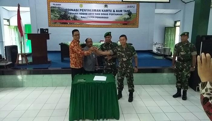 Peluncuran karu dan KUR Petani Ponorogo. Foto: Muh Nurcholis/NusantaraNews