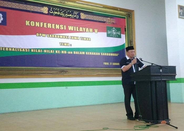 Presiden Konfederasi Serikat Buruh Muslimin Indonesia (K-Sarbumusi) Syaiful Bahri Anshori memberikan sambutan di Konferensi Wlayah Sarbumusi di Gedung PWNU Jawa Timur, Sabtu (27/1/2018). Foto: Ucok Al Ayubbi/NusantaraNews