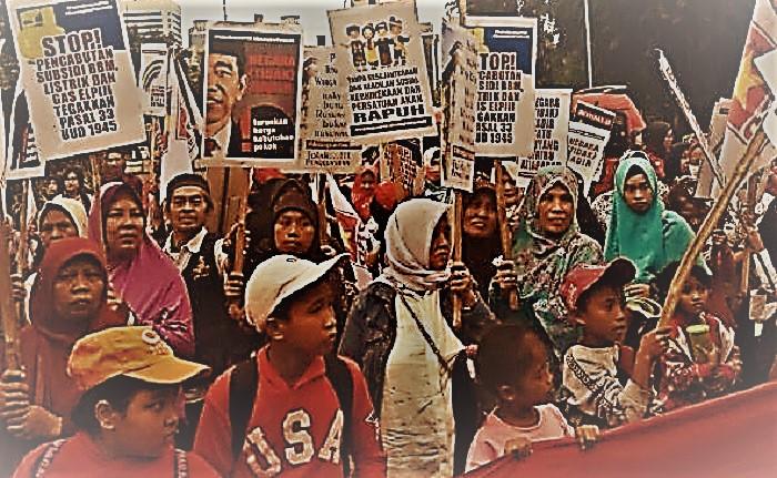 """Posko Menangkan Pancasila, Partai Rakyat Demokratik (PRD) DKI Jakarta menggelar Parade """"Turunkan Harga Kebutuhan Dasar, Menangkan Pancasila!"""", rally dari depan Kedutaan Besar (Kedubes) Amerika Serikat ke Patung Kuda, Thamrin, Jakarta Pusat, Minggu, 28 Januari 2018. Foto Istimewa/ NusantaraNews.co"""