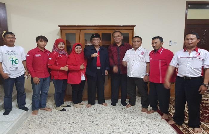 DPD PKPI Jabar berikan dukungan kepada Anton Charliyan. (Foto: Dok. Istimewa/NusantaraNews