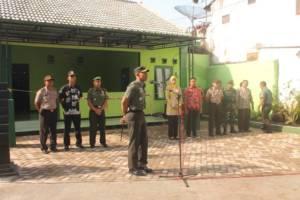 Komandan Kodim 0824 Jember Letkol Inf Rudianto meresmikan Koramil 0824/08 Mayang. Foto: Sis/Dok. Kodim Jember