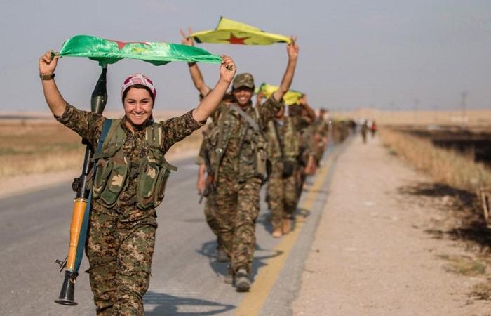 Para pejuang wanita Unit Perlindungan Rakyat Kurdi (YPG). Foto: REUTERS