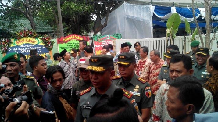 Panglima Kodam (Pangdam) V Brawijaya Mayor Jenderal TNI Arif Rahman meresmikan panti asuhan putra prajurit pada Minggu (14/1/2018) di Mojokerto. Foto: Dok. Korem