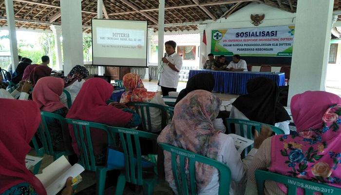 Penanggulangan KLB (Kejadian Luar Biasa) Difteri Pukesmas Kebonsari, Rabu (24/1/2018). Foto: Dok. Istimewa/NusantaraNews