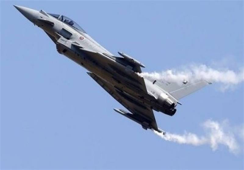 Pesawat tempur jenis Tornado Panavia buatan Inggris, milik Royal Air Force (RAF) Arab Saudi jatuh di Yaman Utara. Foto: Time of Islamabad
