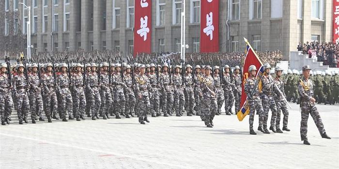 Parade militer pasukan infanteri Korea Utara.