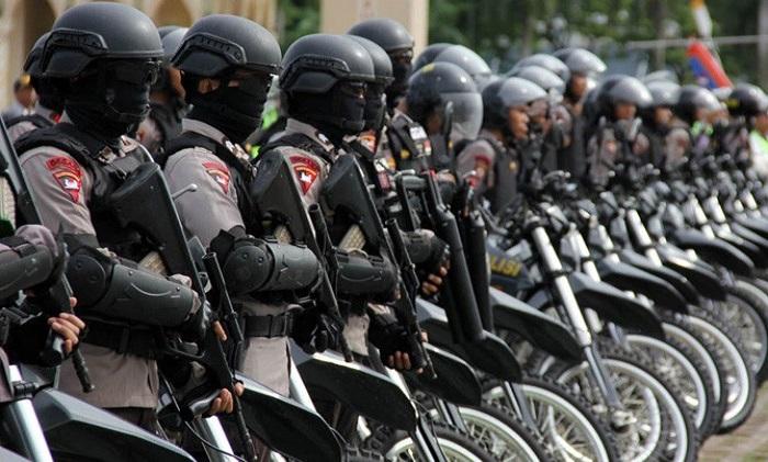 Anggota Brigade Mobile (Brimob) Kepolisian Republik Indonesia.