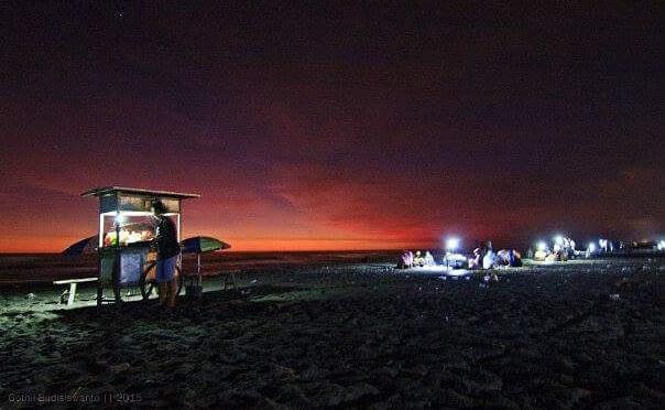 Suasana Malam di Pantai Parangtritis. Foto: Dok. Imgrum @yogyakartacity