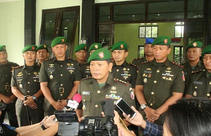 Danrem 082 Citra Panca Yudha Jaya Kolonel Kav Ghatut Setyo Utomo usai acara sertijab Komando Kodim 0809 Kediri. (Foto: Penrem/NusantaraNews)