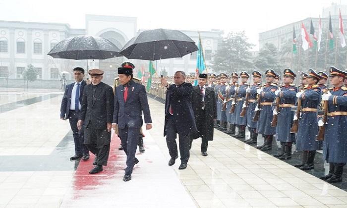 Presiden Joko Widodo melawan ke Afghanistan, Senin (29/1). (Foto: Twitter Setkab Pramono Anung)