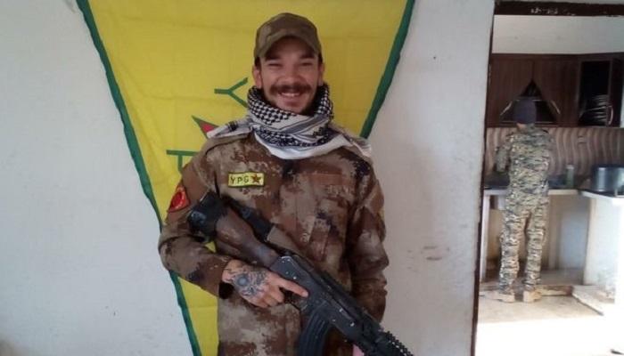 Aidan James (27), warga Inggris yang jadi relawan YPG Kurdi berperang melawan ISIS di Suriah. (Foto: Facebook/Handout)