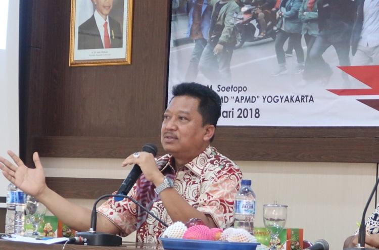 Anggota DPR RI Komisi VII Daerah Pemilihan DIY, Agus Sulistyono Saat Isi Acara di Mubes Forum BEM DIY (Foto Hiban/Nusantaranews)
