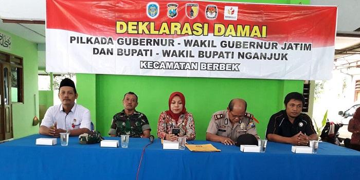 Kecamatan Nganjuk mendeklarasikan Pilkada damai. (Foto: Istimewa)