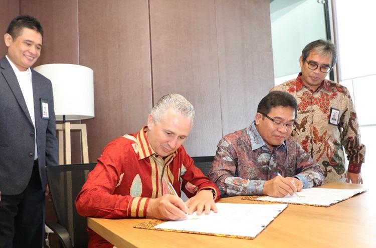 Direktur Utama Telkom dan Presiden Direktur Telstra tandatangani nota kesepahaman Global Delivery Center di Indonesia