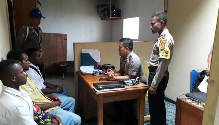 Polres Tolikara merekrut calon polisi untuk penerimaan tahun anggaran 2018. (Foto: Kasrim/NusantaraNews)