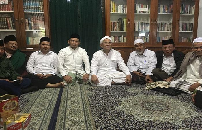 Sekjen Dewan Syuro DPP Partai Kebangkitan Bangsa (PKB), Syaiful Bahri Anshori melakukan safari politik, bersilaturahim dengan seluruh elemen masyarakat dan alim ulama di Jawa Tengah. (Foto: Ucok Al Ayubbi/NusantaraNews)
