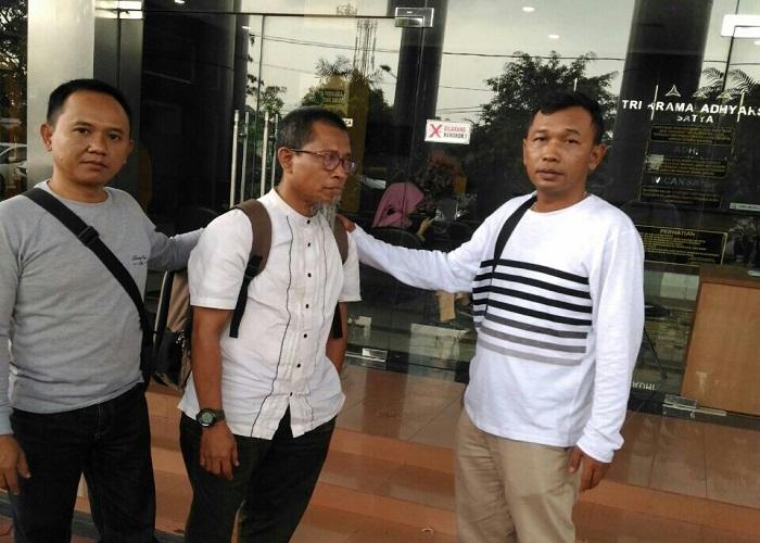 Tersangka Salim Achmad (tengah) korupsi dana Kredit Usaha Tani (KUT). (Foto: Mahdi Alhabib/NusantaraNews)