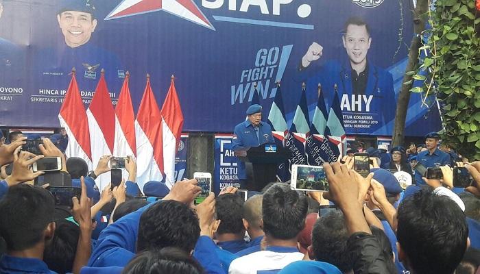 Pengukuhan Agus Harimurti Yudhoyono (AHY) sebagai Komandan Satuan Tugas Bersama (Kogasma) untuk Pemilukada 2018 dan Pilpres 2019. (Foto: NUSANTARANEWS.CO/Istimewa)