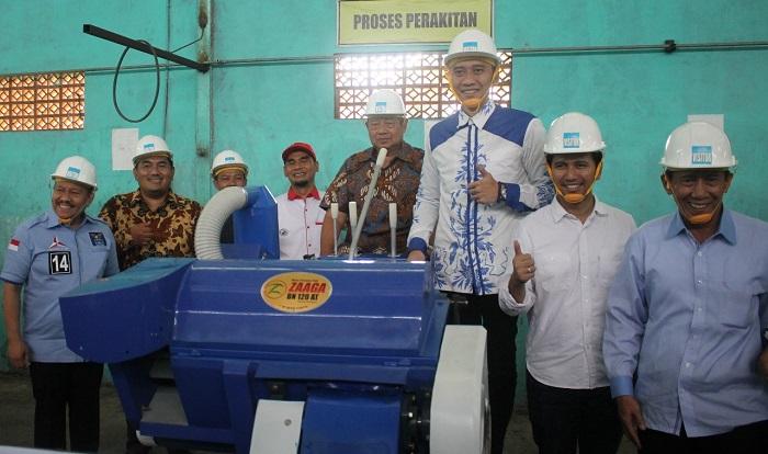 Emil Dardak bersama SBY dan rombongan pengurus DPP Partai Demokrat. (FOTO: NUSANTARANEWS.CO/Setyo)