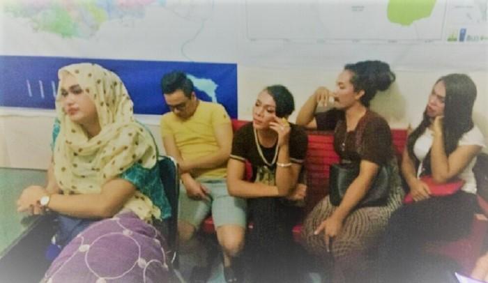 Penertiban dan pembinaan Salon Waria yang diduga menjadi sarang LGBT di Aceh Utara. Foto: lintasnasional.com