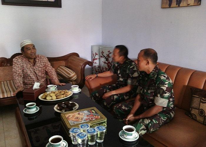 Dwi Agung Sutrisno berkunjung ke Pondok Pesantren Al Ma'ruf Kedunglo Kelurahan Bandar Lor, Kediri, Jawa Timur guna bertemu dengan KH Imam Yahya (Gus Yahya).