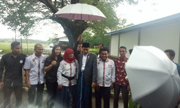 Pengurus JAMAN JATIM pose bersama Presiden RI., Ir. H. Joko Widodo di Puslatpur Marinir-5 Baluran, Situbondo. Foto Zubairi/ NusantaraNews