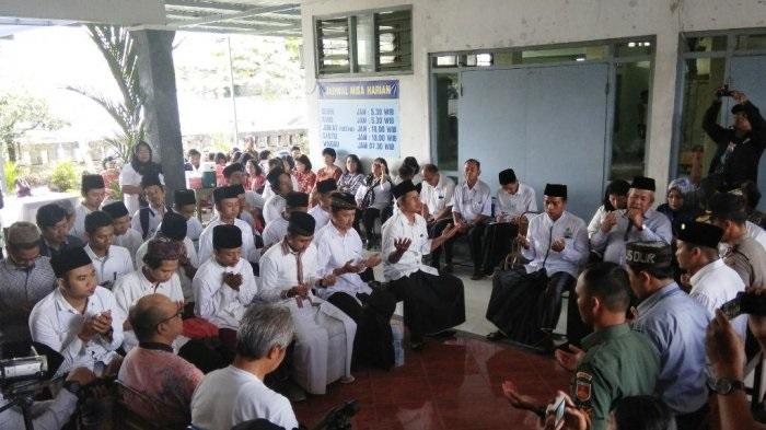 Tampak Begitu Khusyuk-Doa Bersama yang dilakukan MDGs DIY. Foto: Tri/Istimewa/Nusantaranews