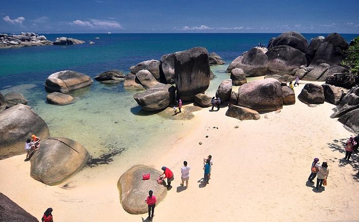 Wisata Bangka Belitung - Tanjung Tinggi (Ilustrasi). Foto: Gama Holiday