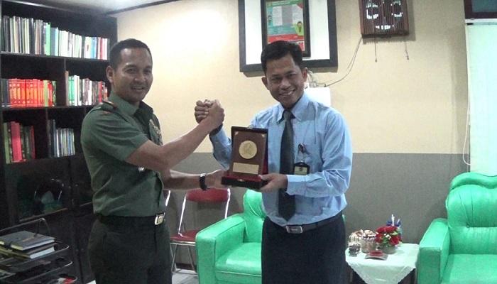Kantor Pelayanan Pajak Pratama (KPPP) Kediri gandeng Kodim 0809 untuk perkenalkan pelayanan e-Filing. (Foto: Istimewa)